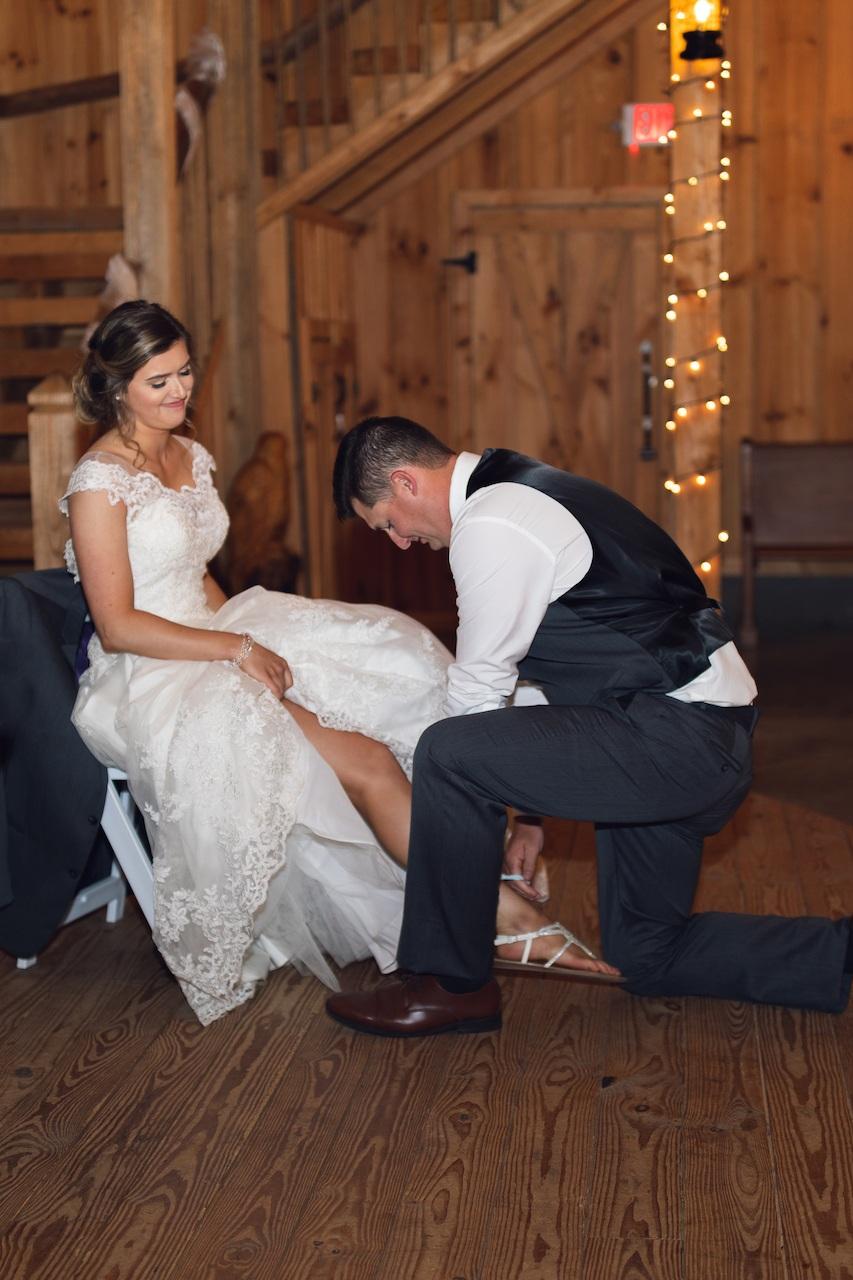 randi-schuette-photo-the-barn-at-heritage-farm-nc-wedding-edwards-reception138.jpg