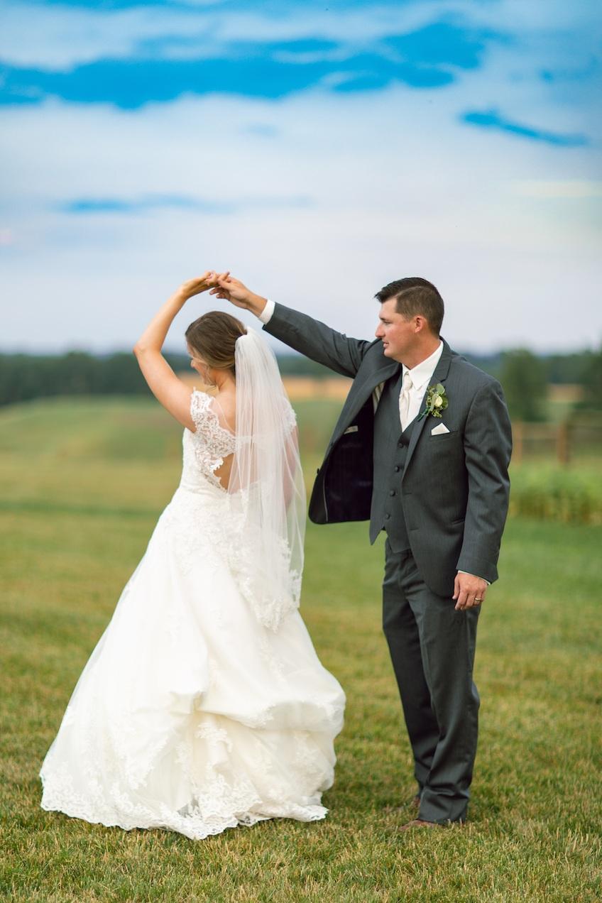 randi-schuette-photo-the-barn-at-heritage-farm-nc-wedding-edwards-portraits126.jpg