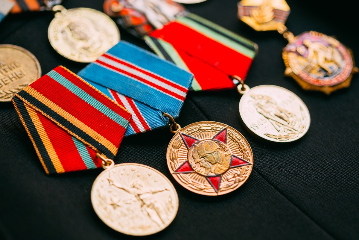 anniversary-medals-of-a-victory-in-the-great-P7R9FKY min.jpg