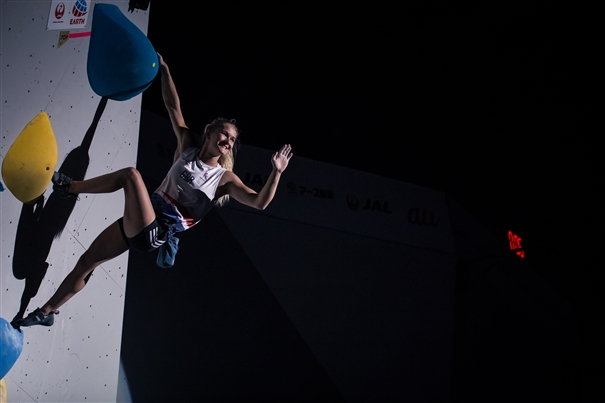 Shauna Coxsey comes third in the final of the Bouldering World Championships 2019. Photo: Band of Birds