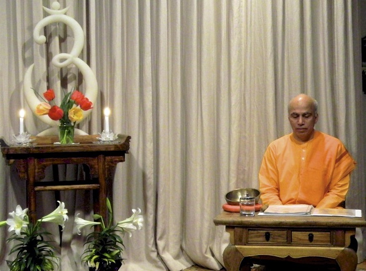 STUDY GROUp - Wednesday Evening 7:30 to 8:30An hour of prayer, meditation, and study of Vedanta scriptures with Swami Tyagananda, followed by informal discussion.