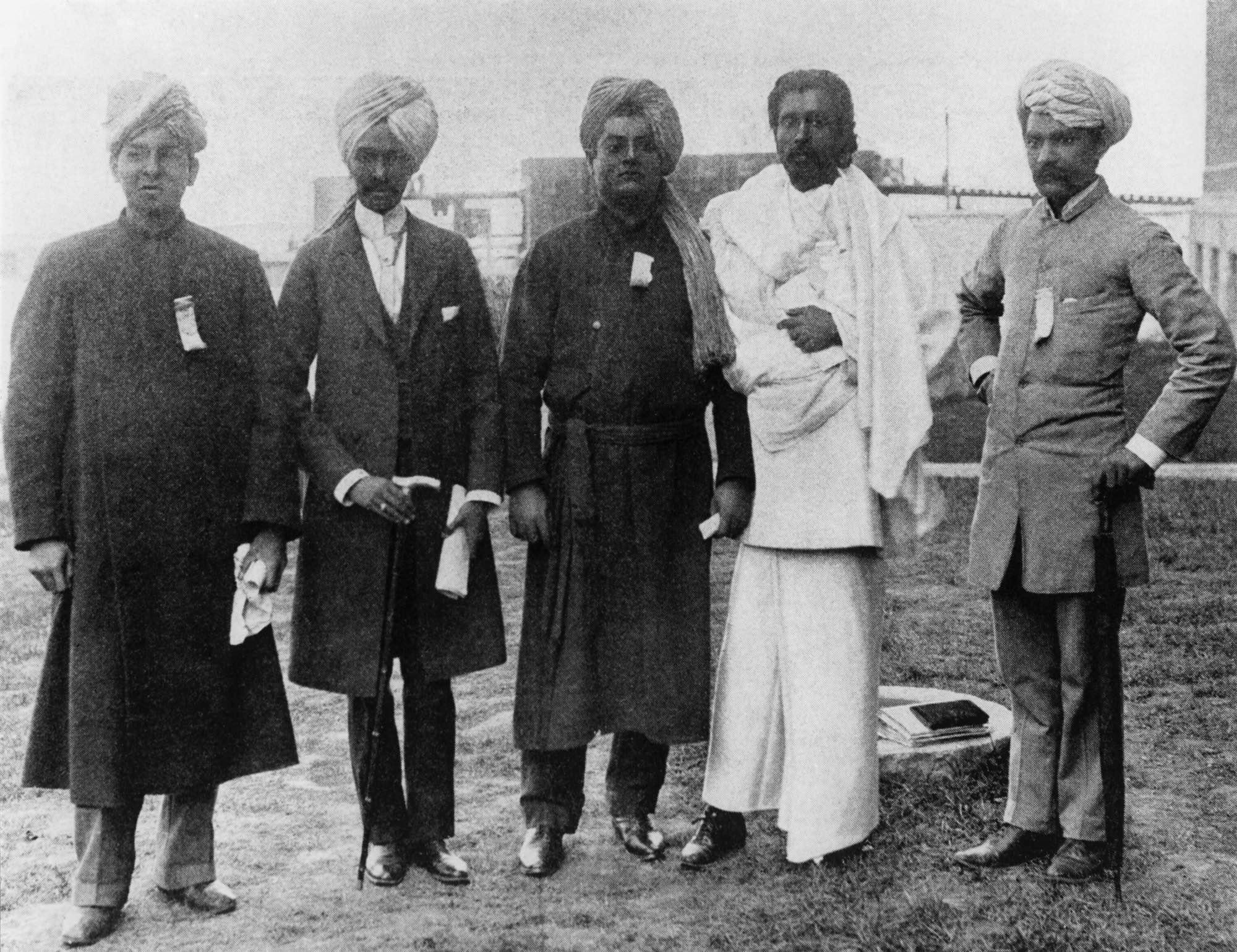 (#14) Chicago, September 1893. (From L) Narasimhacharya from Chennai, Lakshmi Narain from Lahore, Swamiji, H. Dharmapala from Sri Lanka, and Virchand Gandhi from Mumbai.