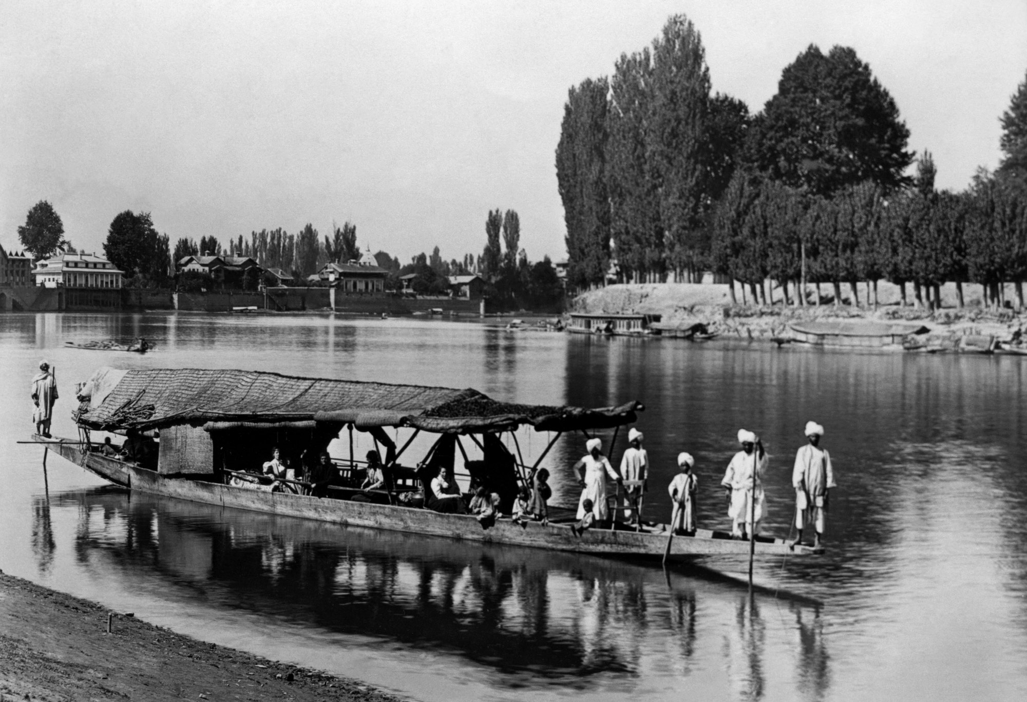 (#67) Kashmir, 1898. Barely visible in the houseboat ( from  L): Josephine MacLeod, Swamiji, Mrs. Ole Bull, Sister Nivedita.