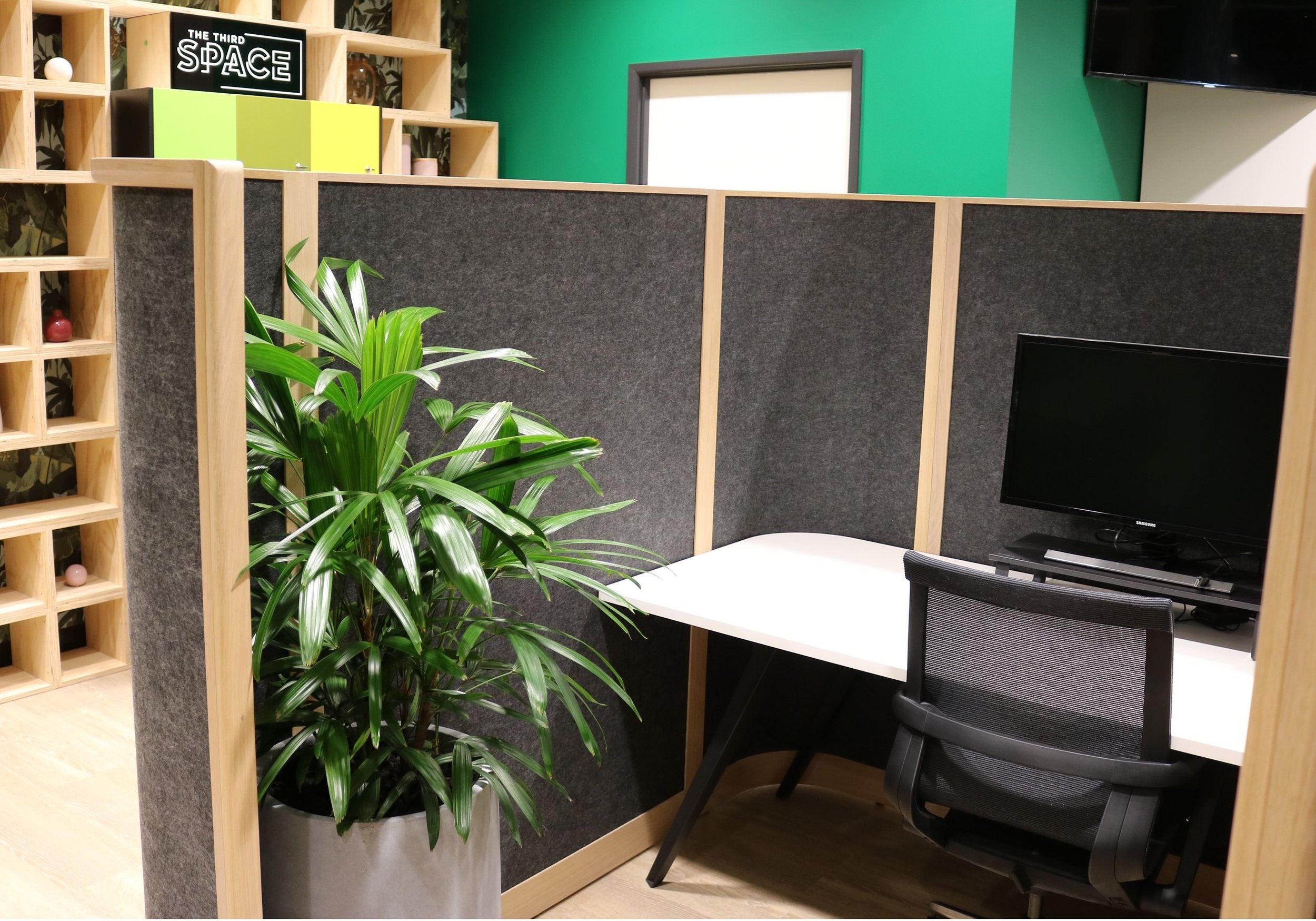 Work Cubicle: - Hourly Rate - $7.00Daily Rate - $60.00Minimum Booking - 1 HourMembers - Unlimited