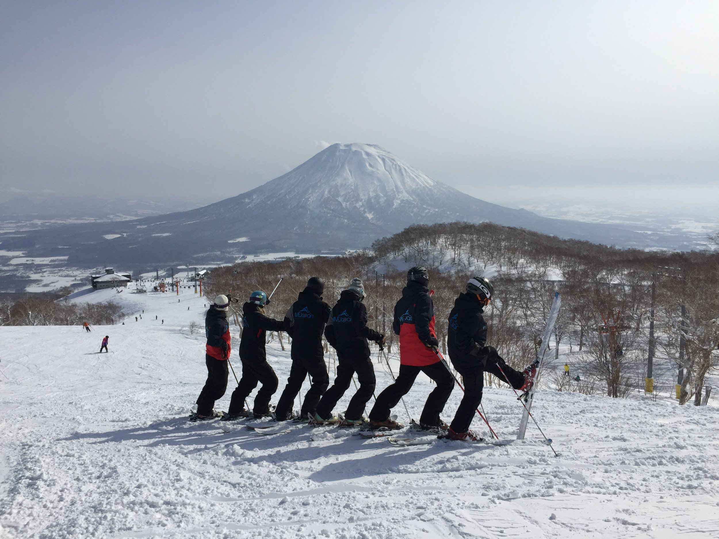 NISEKO-PRIVATE LESSONS - 6HR FULL DAY PRIVATE ¥ 59,000* (¥ 65,000* PEAK)A FULL DAY PRIVATE LESSON 6HRS ON SNOW. ENJOY THE BEST OF NISEKO UNITED WITH THE BEST WITH THE CHOICE OF 3 MEETING AREAS IN HIRAFU OR PICK-UP/DROP-OFF. CHALLENGE YOURSELF WITH NEW SKILLS AND TERRAIN WITH YOUR INSTRUCTOR/GUIDE WORKING WITH YOU TO ACHIEVE YOUR SKI OR SNOWBOARDING GOALS WHATEVER THEY MAY BE.3HR AM PRIVATE ¥35,000*GET OUT EARLY AND ENJOY THE FRESH POWDER OR THE NEWLY GROOMED TERRAIN WHILE HONING YOUR SKILLS.START YOUR DAY FROM 8.30AM-9.30AM. (HIRAFU/ANNUPURI)3HR PM PRIVATE ¥33,000*FOR THE LATE RISER WHO WANTS TO AVOID THE MORNING RUSH AND SHUFFLE. START FROM 1.30PM* (HIRAFU/ANNUPURI)NIGHT LESSON 2HR 5PM ¥25,000* (HIRAFU ONLY)2HR PRIVATE LESSON ¥25,000* (HIRAFU ONLY)1-4 PERSONS AVAILABLE. FOR THE OFF-PEAK SEASON IN HIRAFU.BOOK 5 CONSECUTIVE DAYS FOR ¥85,000*1-15 DEC 2019, 10 -20 JAN 2020, 20 FEB - 6 MAY 2020TIMES: 9AM, 11AM & 2PM