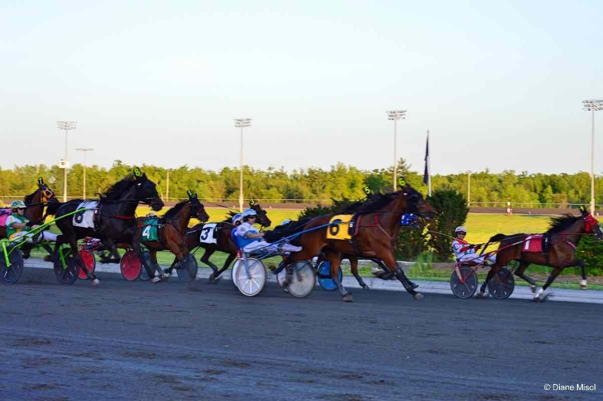 Mohawk-Racetrack-Ontario-Canada.jpg