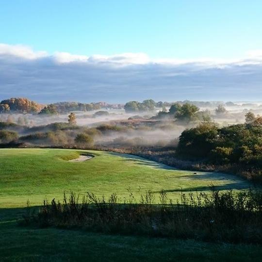 Bilder - Se bilder från golfbanan och konferensanläggningen. Vi hoppas att du också ska förälska dig i de vackra naturen som omger Naturligtvis Golf & Country Club.