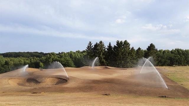 Naturligtvis Golf & CC | Hål ett under uppbyggnad