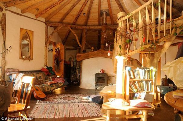 eco-hobbit-home-living-room.jpg