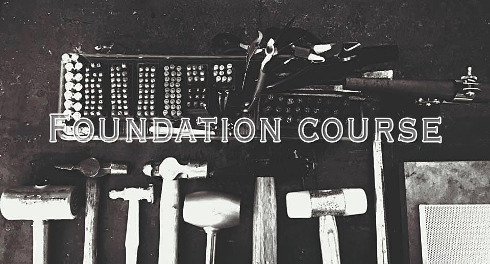 10hrs 首飾製作入門班Jewelry making foundation - 適合新手/自稱手殘者 至 初中階4天課程,每堂2.5hrs如果你對金工有濃厚興趣,或想製作一些難度較高的作品,那參加這課程,從大量的基礎工具開始了解,以至更深入的學習焊接技術,將可助你製作設計獨特的首飾~
