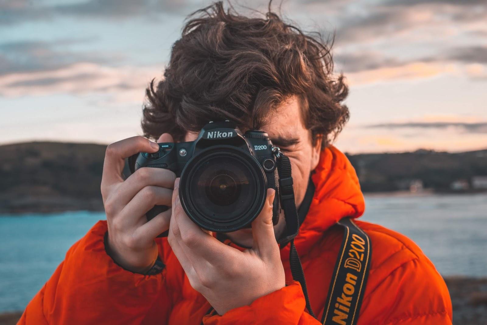 Camera Guy guillermo-sanchez-529739-unsplash.jpg