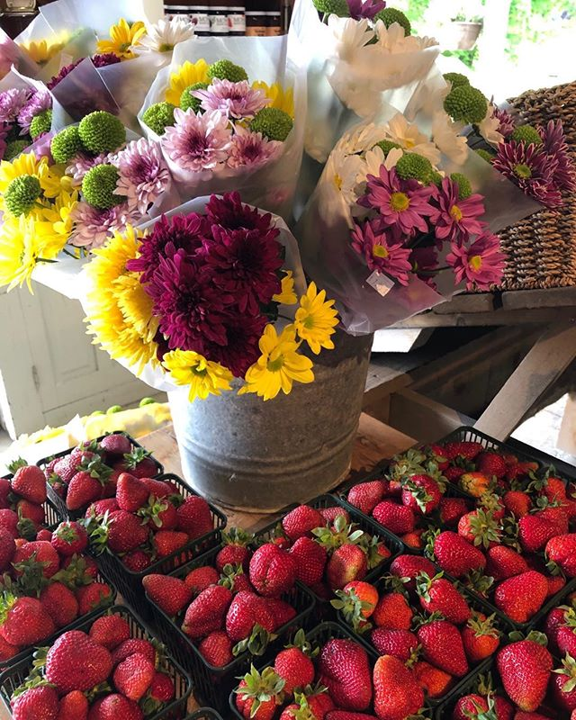Just arrived: freshly picked Ontario strawberries and really pretty flower bouquets to brighten your day. #local #strawberries #farmfresh