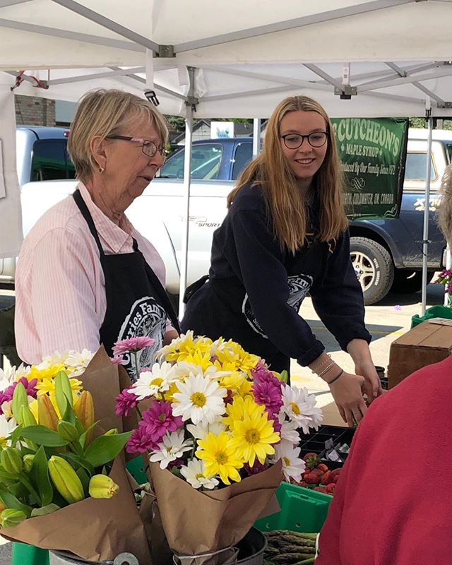 The sun is shining this morning at the Collingwood Farmers Market. Stop by our booth for fresh Ontario strawberries, just cut asparagus and beautiful flower bouquets. #local #farmfresh #lovewherewelive