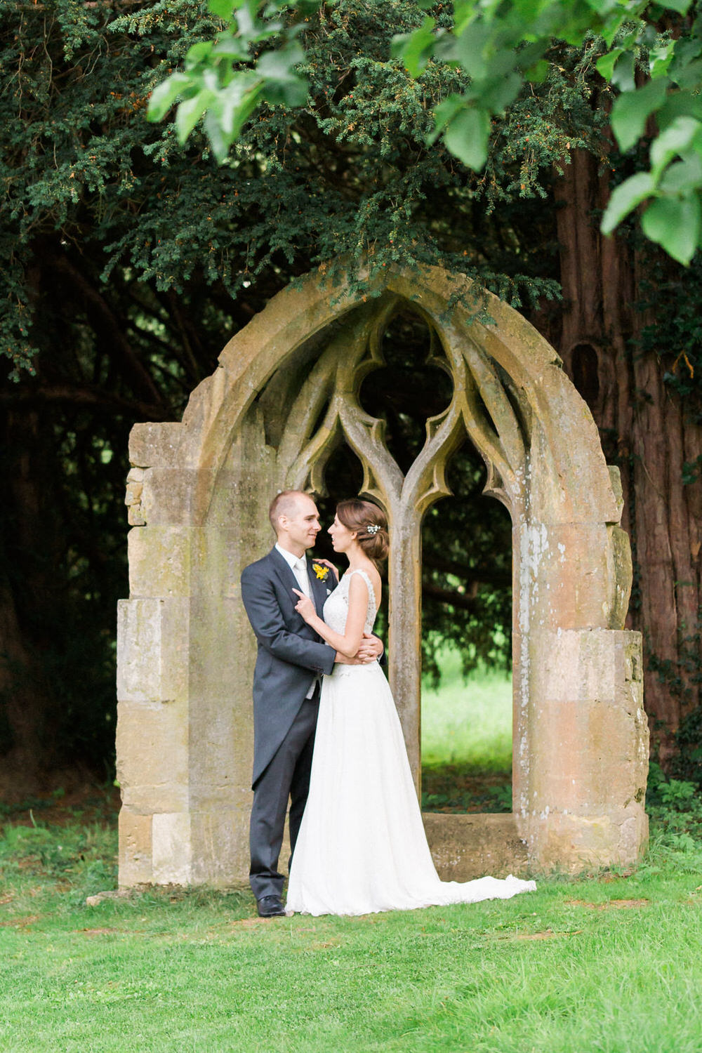Special-Day-Photography-Dumbleton-Hall-hotel-Evensham-The-historic-window-frame-at-Dubleton-Hall-Hotel-Summer-wedding-in-Dumbleton.jpg