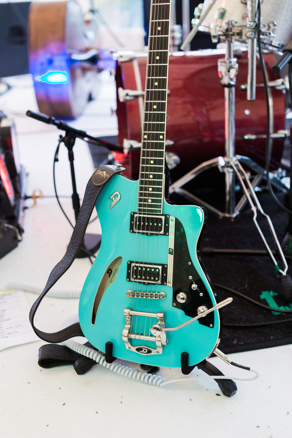 Special-Day-Photography-The-Bringewood-Ludlow-The-Bringewood-Hillside-Wedding-a-retro-guitar-for-the-first-dance.jpg