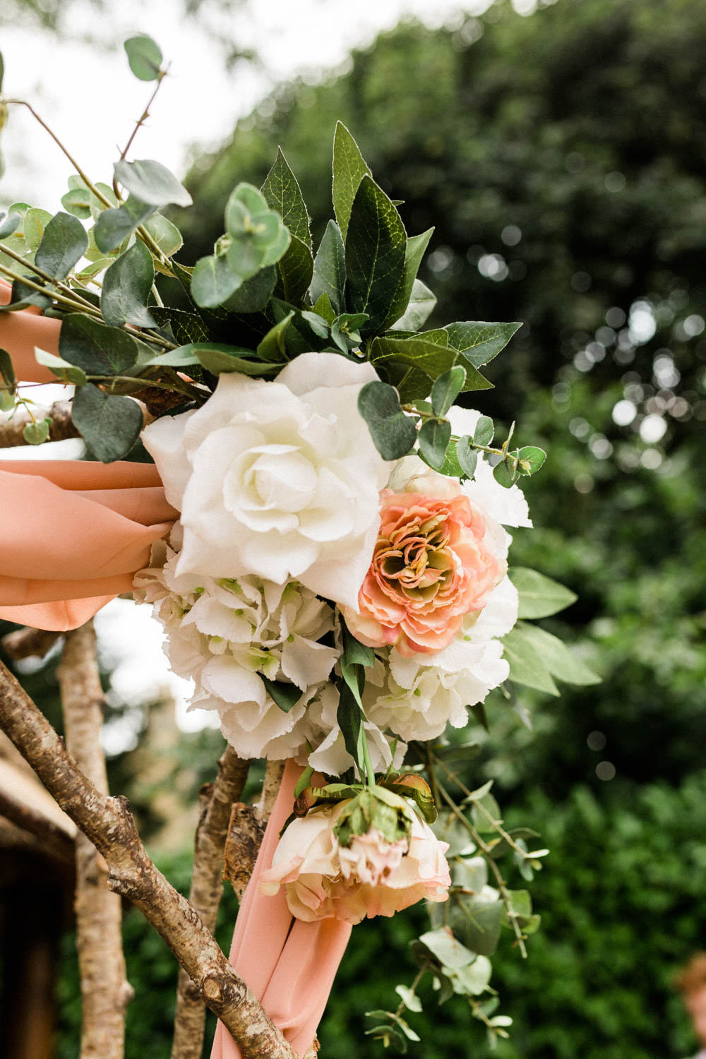 Special-Day-Photography-The-Manor-House-Hotel-Moreton-in-Marsh-Moreton-In-Marsh-Summer-Wedding-Flower-decorations-at-an-outdoor-wedding-in-teh-Cotswolds.jpg