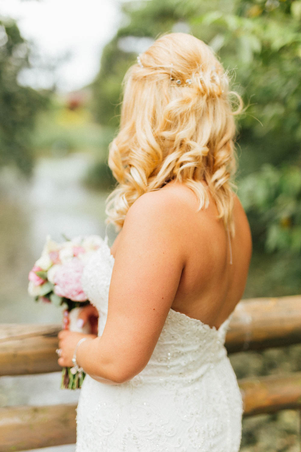 Special-Day-Photography-Manor-By-The-Lake-Cheltenham-Cheltenham-Manor-Wedding-bridal-hair-details.jpg
