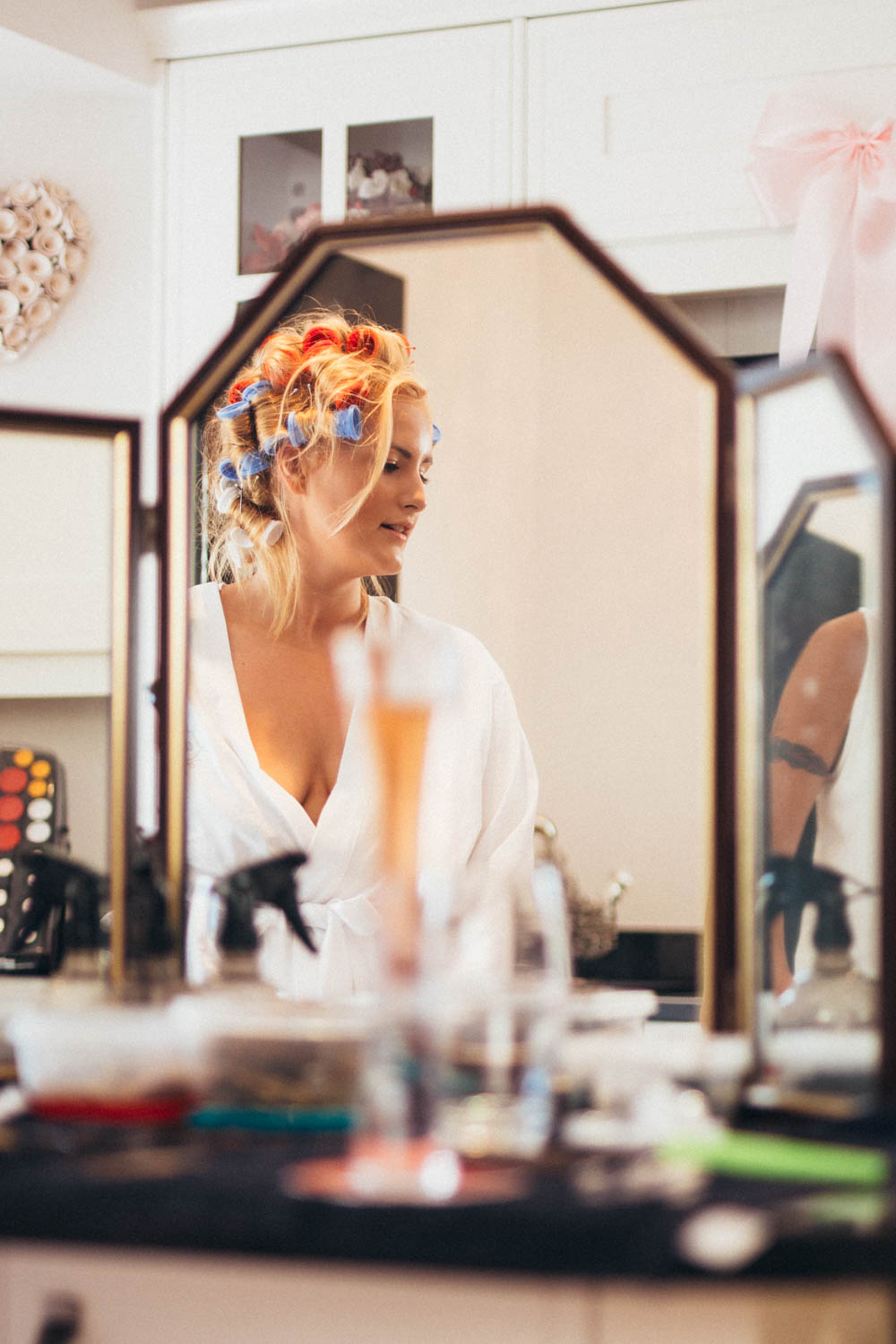Special-Day-Photography-Manor-By-The-Lake-Cheltenham-Cheltenham-Manor-Wedding-makeup-preparations-in-the-mirror.jpg