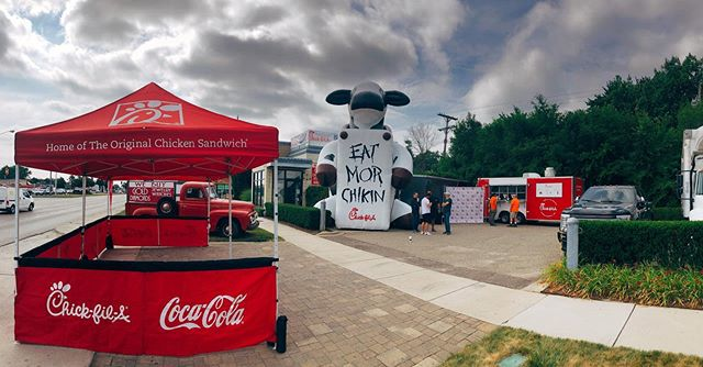We are at DREAM CRUISE and open for business 🤗🚘🚙 Come see us this weekend and get yourself some delicious Chick-fil-A!! . Selling hours: Friday, 11am - 9pm Saturday, 11am - 9pm