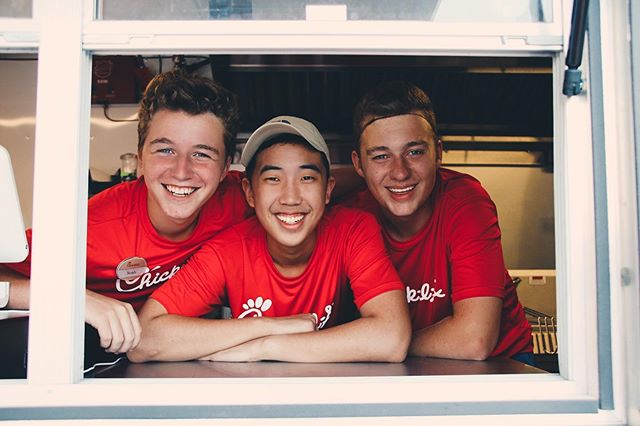 Woodward Dream Cruise AND Chick-fil-A!! 🚘🚙 What could be better? Come see us at 14 and Woodward from 11AM-9PM for Chicken Sandwiches, Waffle Fries and Ice Cold Beverages!