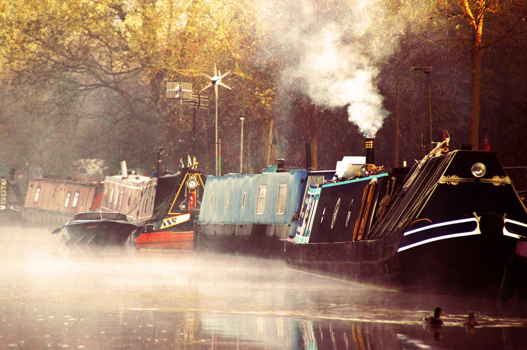 Misty morning on the River Nene