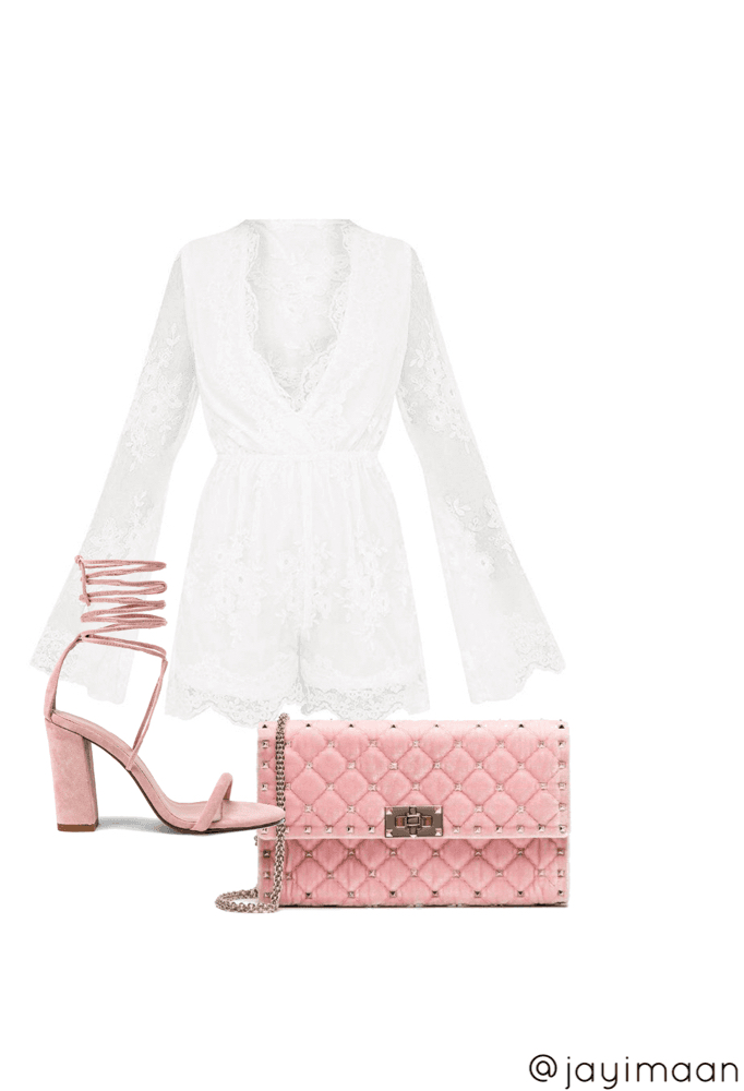 Look 4: Simple and chic. Perfect for graduation
