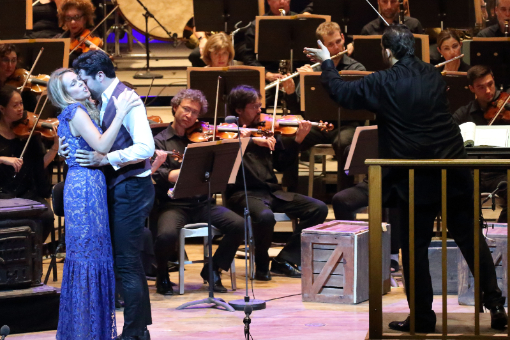 87155-kristine-opolias-and-jonathan-tetelman-in-la-boheme-with-andris-nelsons-and-the-bso--7-14-18--hilary-scott-.jpg