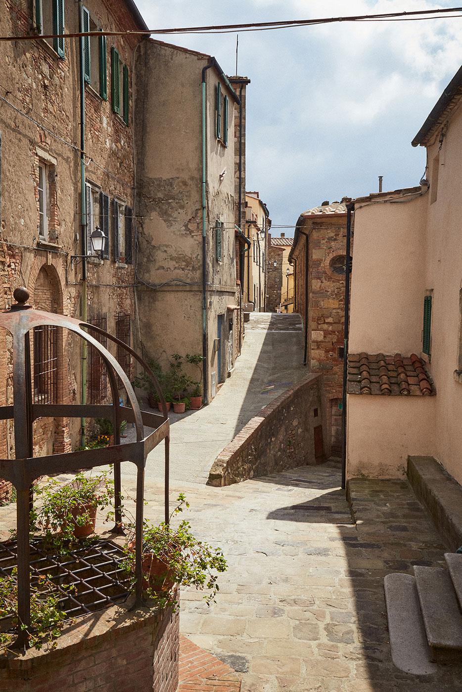 TwoCentsPress-Art-Residency-Tuscany20190408_26.jpg