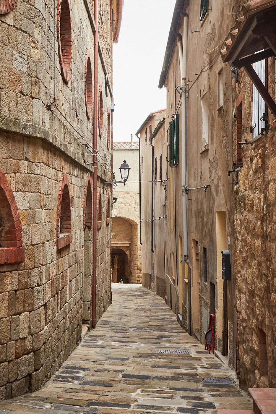 TwoCentsPress-Art-Residency-Tuscany20190408_25.jpg