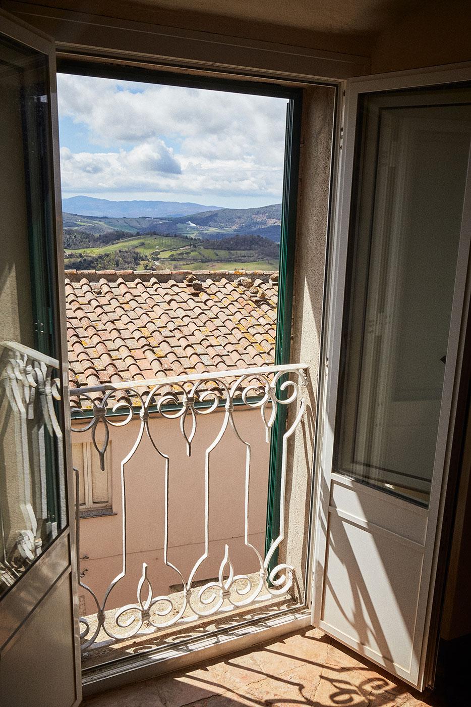 TwoCentsPress-Art-Residency-Tuscany20190408_14.jpg