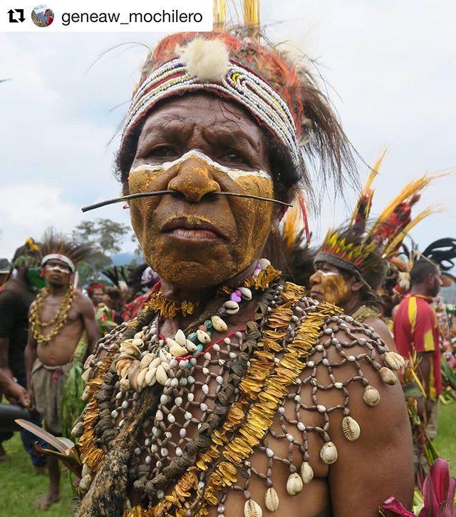 📷: @geneaw_mochilero #repost ・・・ A participant at the Goroka Show. #png #papuanewguinea #gorokashow #goroka #singsing #traditionaldress