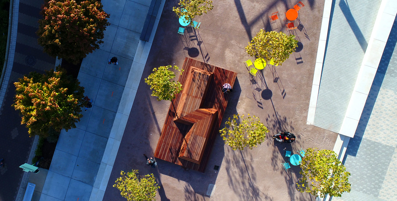 """Plenty of seating in """"Downtown's backyard.""""  Image by REA."""