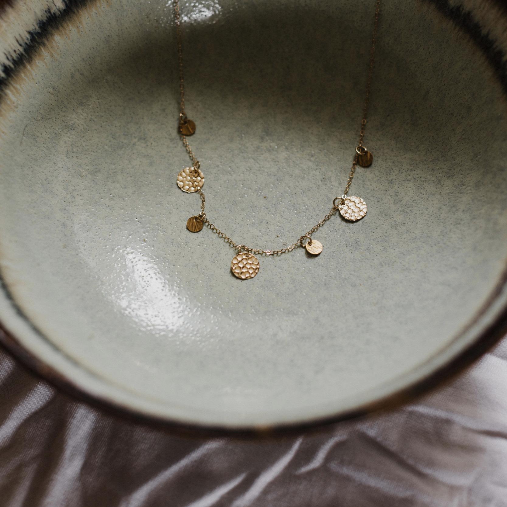 WELLSCO-OPERATIVE - The KENZIE necklace