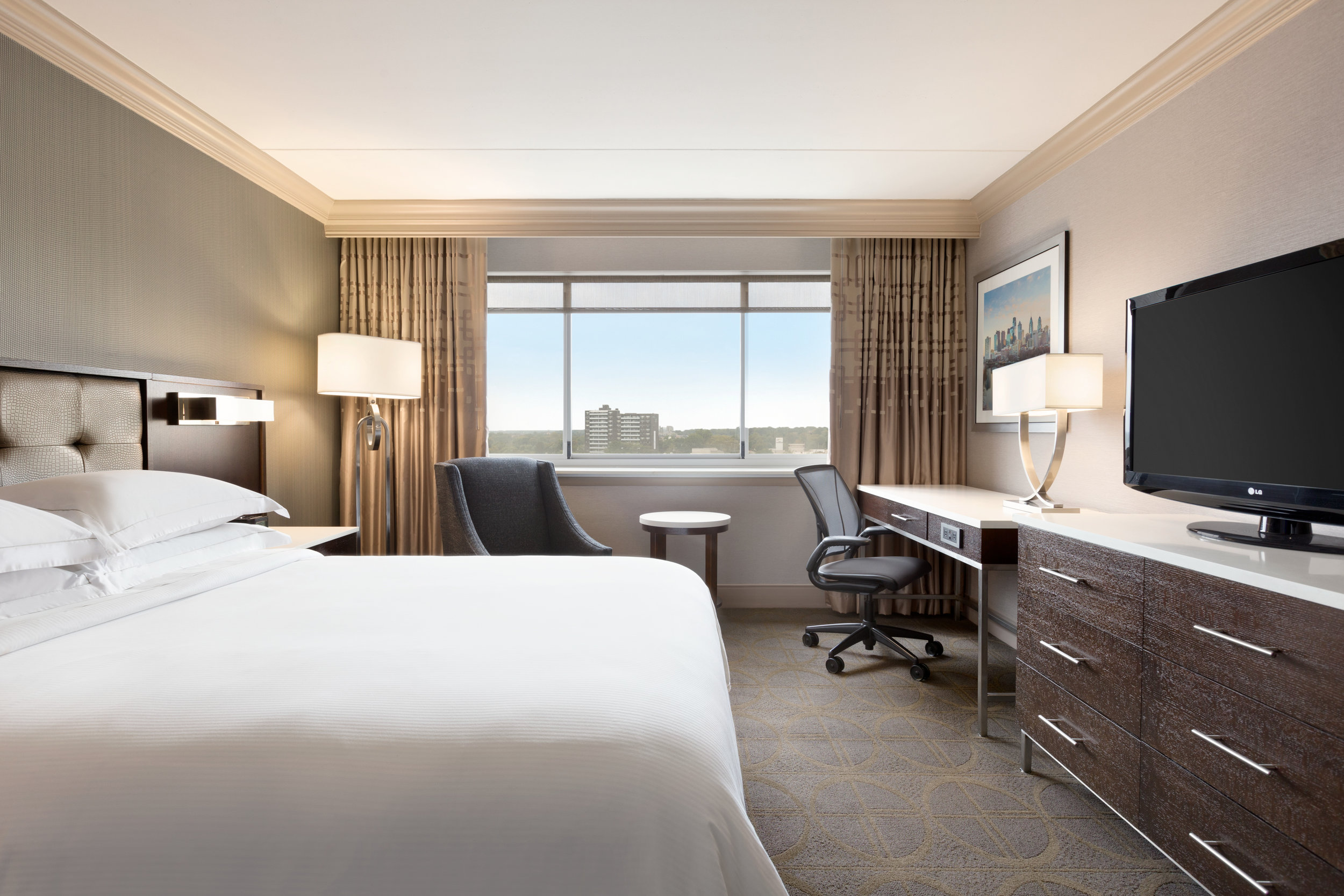 Hilton Philadelphia City Avenue - 1 Queen Guest Room - 1168320 copy.jpg