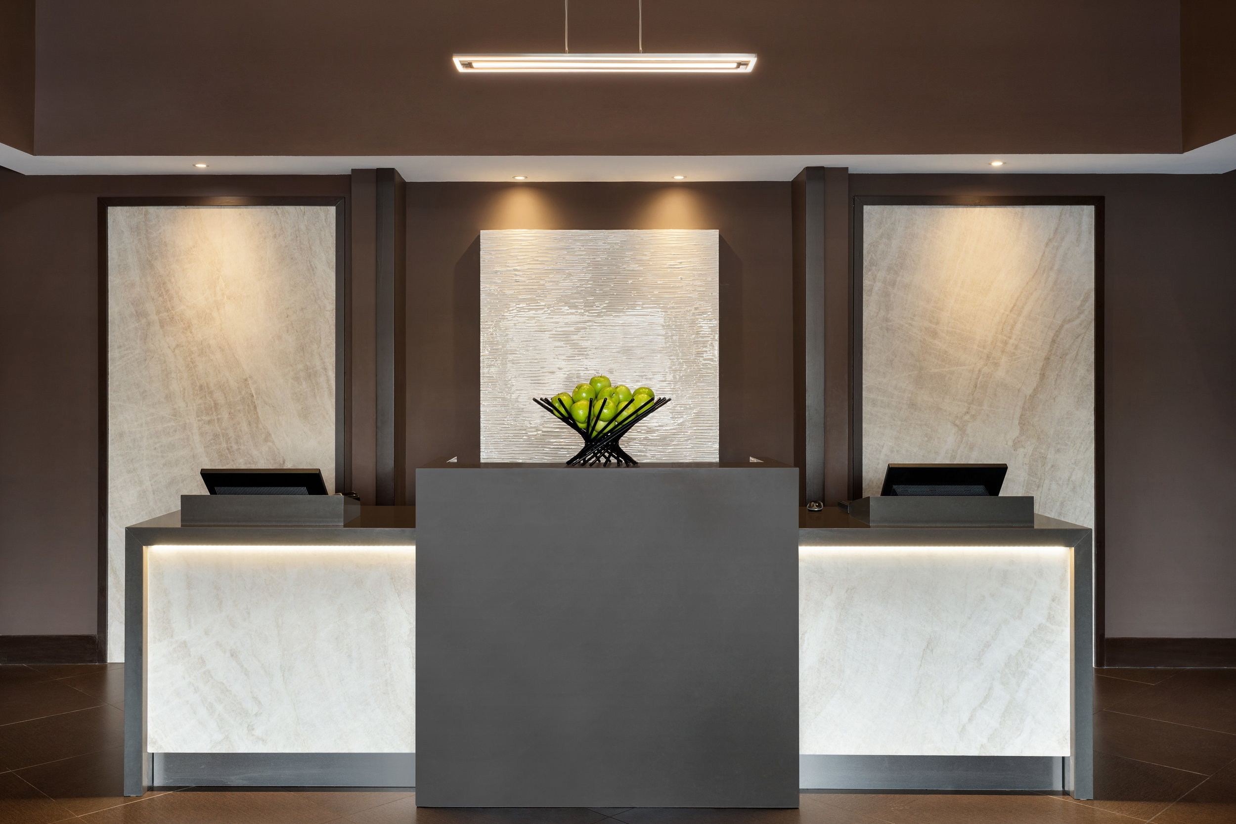 Hyatt-Place-Philadelphia-King-of-Prussia-Front-Desk-01.jpg