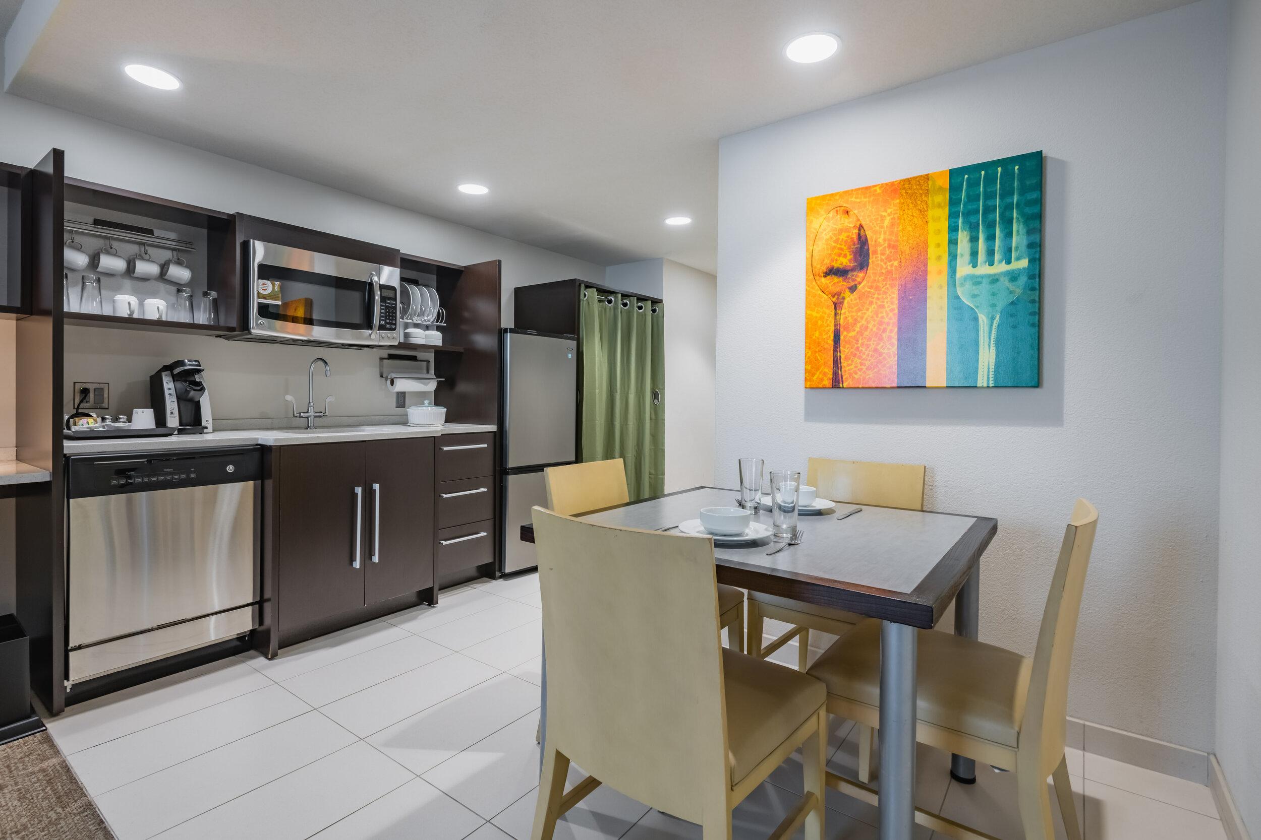 HWE-Home2-Philly-030-1BedroomSuite-CPP.jpg