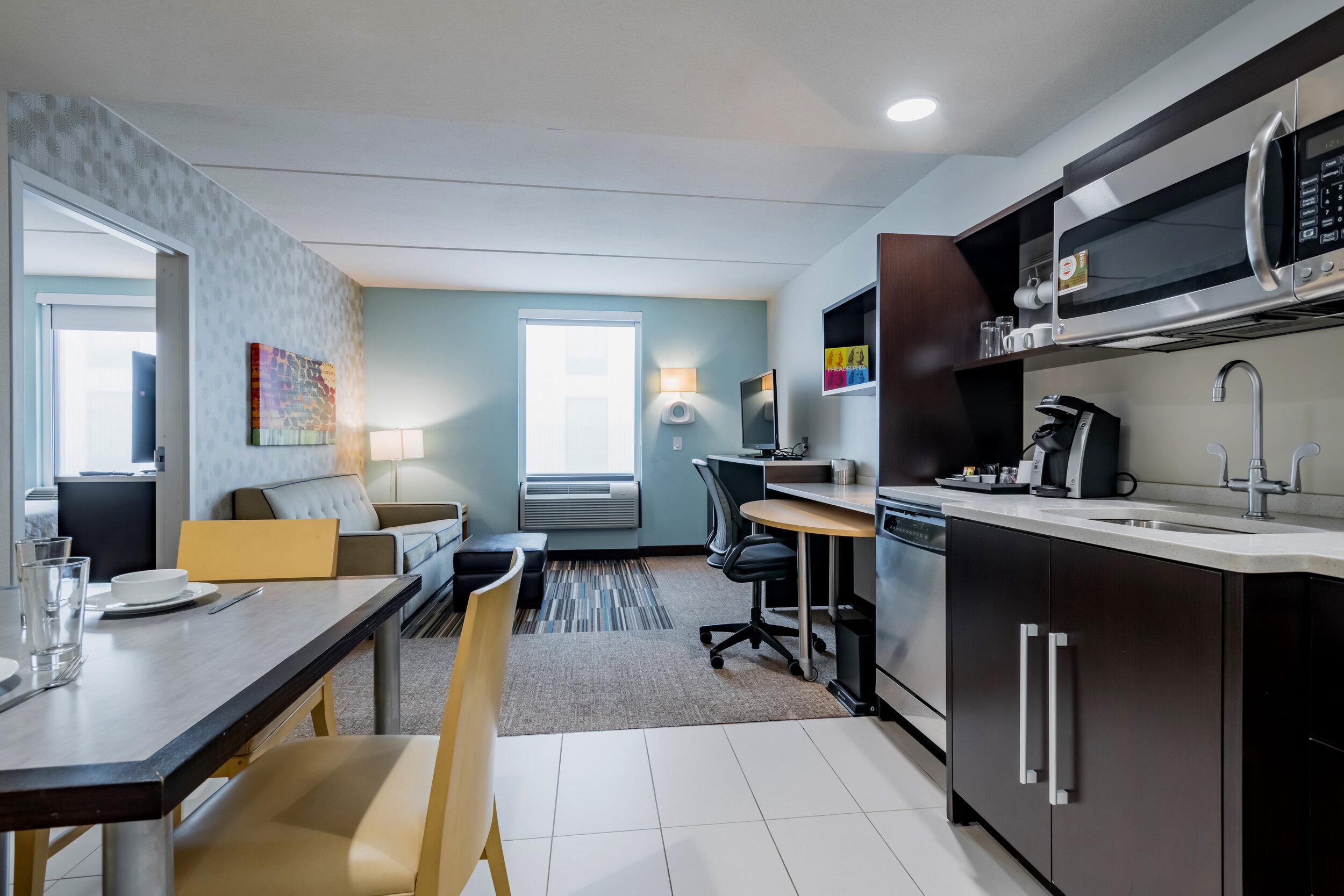 HWE-Home2-Philly-028-1BedroomSuite-CPP copy.jpg