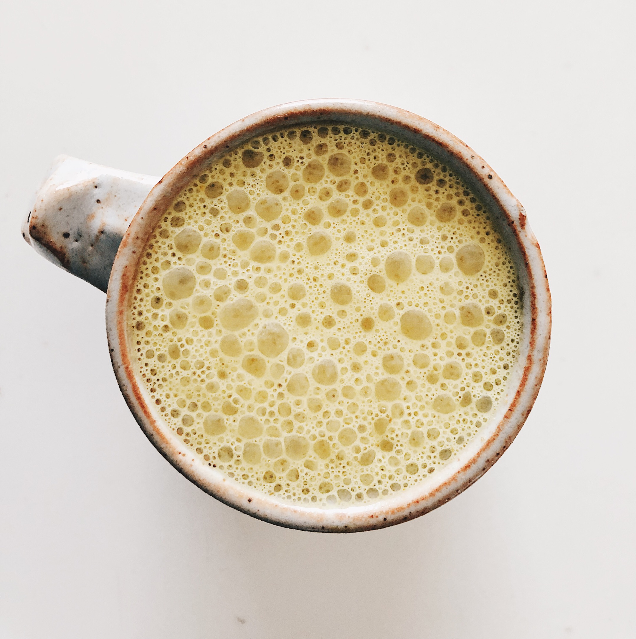 macro latte - ingredients:- 2 tbsp plant-based protein powder- seeds for seed cycling (either flax & pumpkin during your follicular phase or sesame & sunflower during your luteal phase)-2 tsp matcha powder-1 packet of four sigmatic golden latte or any elixer-20 oz. of hot water (this makes 2 or 3 cups)-Splash of oat/nut milk optional