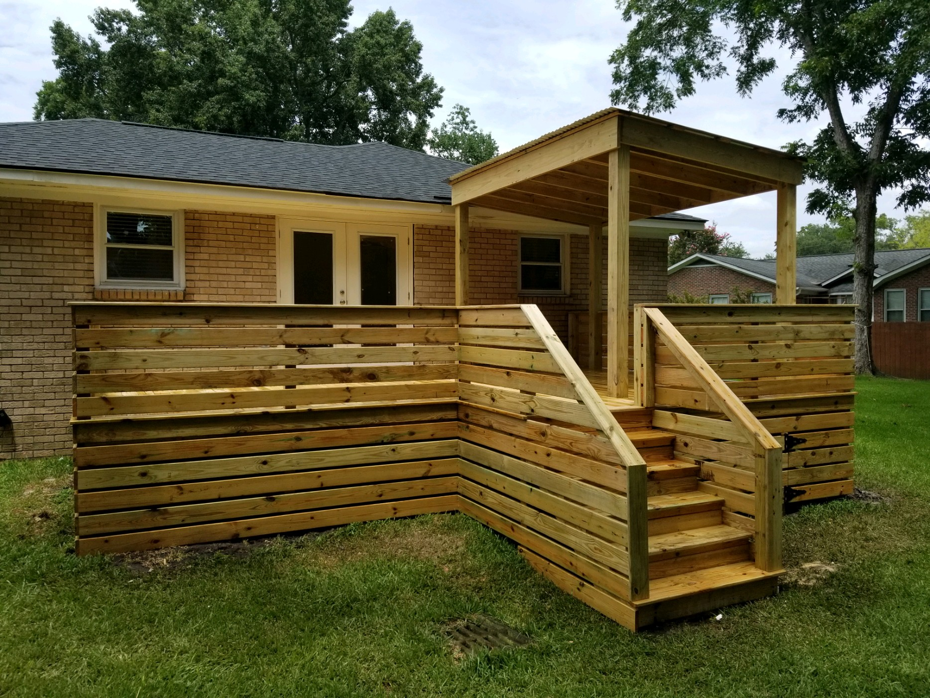 Deck with Day Bed Covered Porch- West Ashley, South Carolina