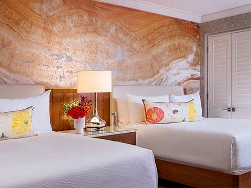 Queen Resort 1.jpg