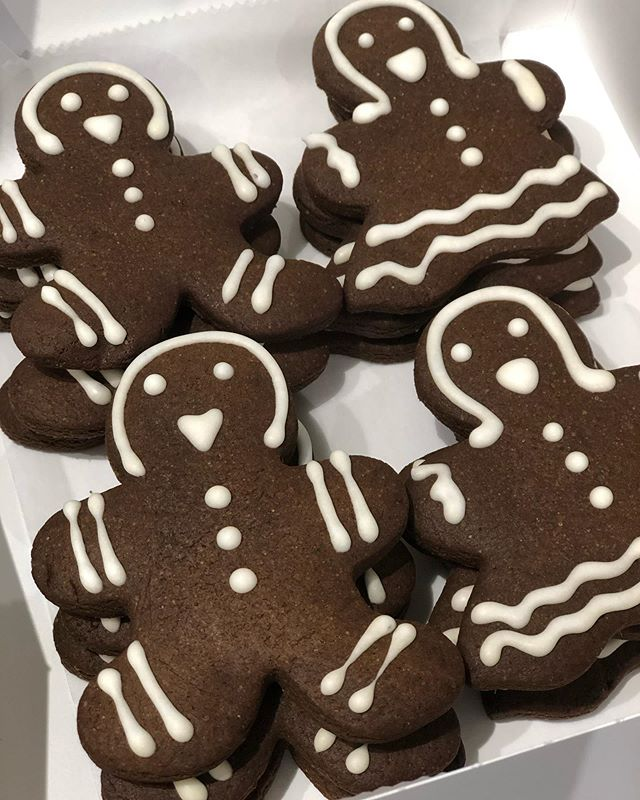Someone is craving for gingerbread. Only for you Jim. #gingerbreadcookies #gingerbread #cookies #iambakingmama #bakingmama