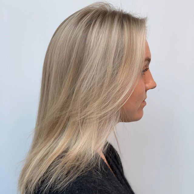 Ombré ✨ @holllly.brown #eranbenn #organic #davinesformula #parabenfree #ombrehair #hairsalon #style #hair #brighton #3186