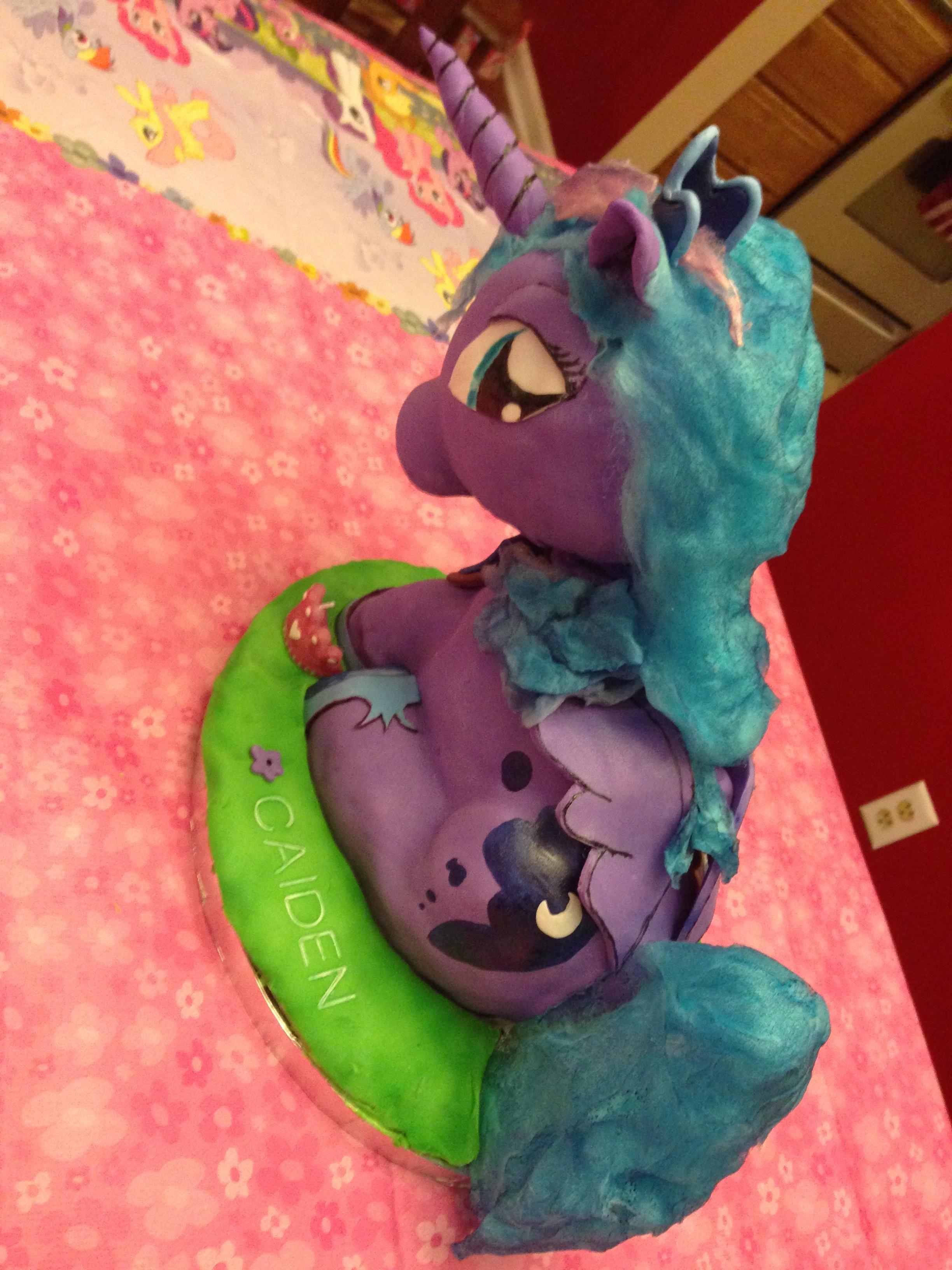 Pony Cake 2.JPG
