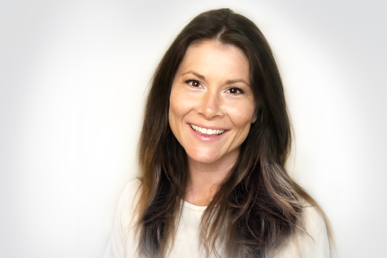 Mari Tusberg Daglig leder og Art Director mari@qvitre.no +47 482 04 685