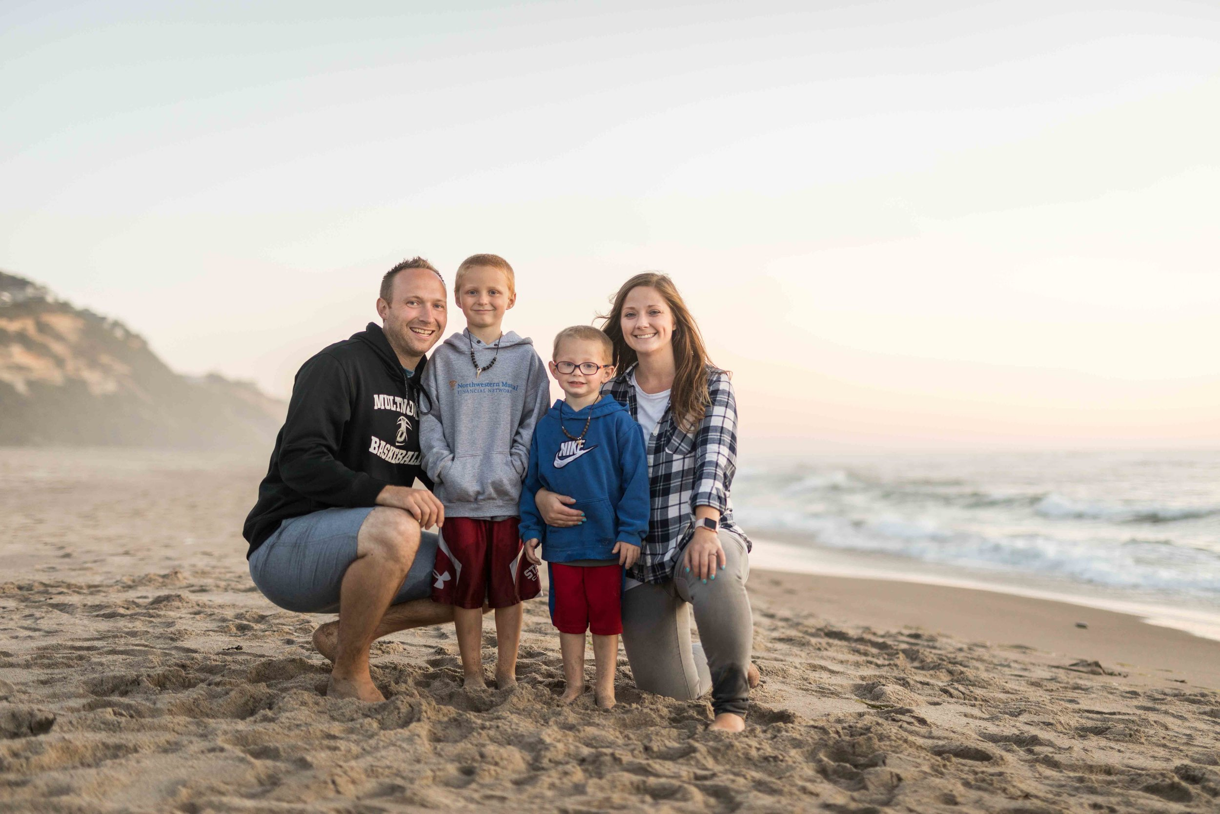 The Looyenga Family on the Oregon Coast in 2018