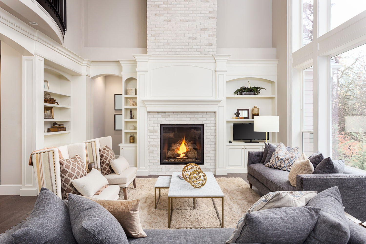 living-room-interior-designer-custom-window-treatments-interior-eloquence-haymarket-virginia.jpg