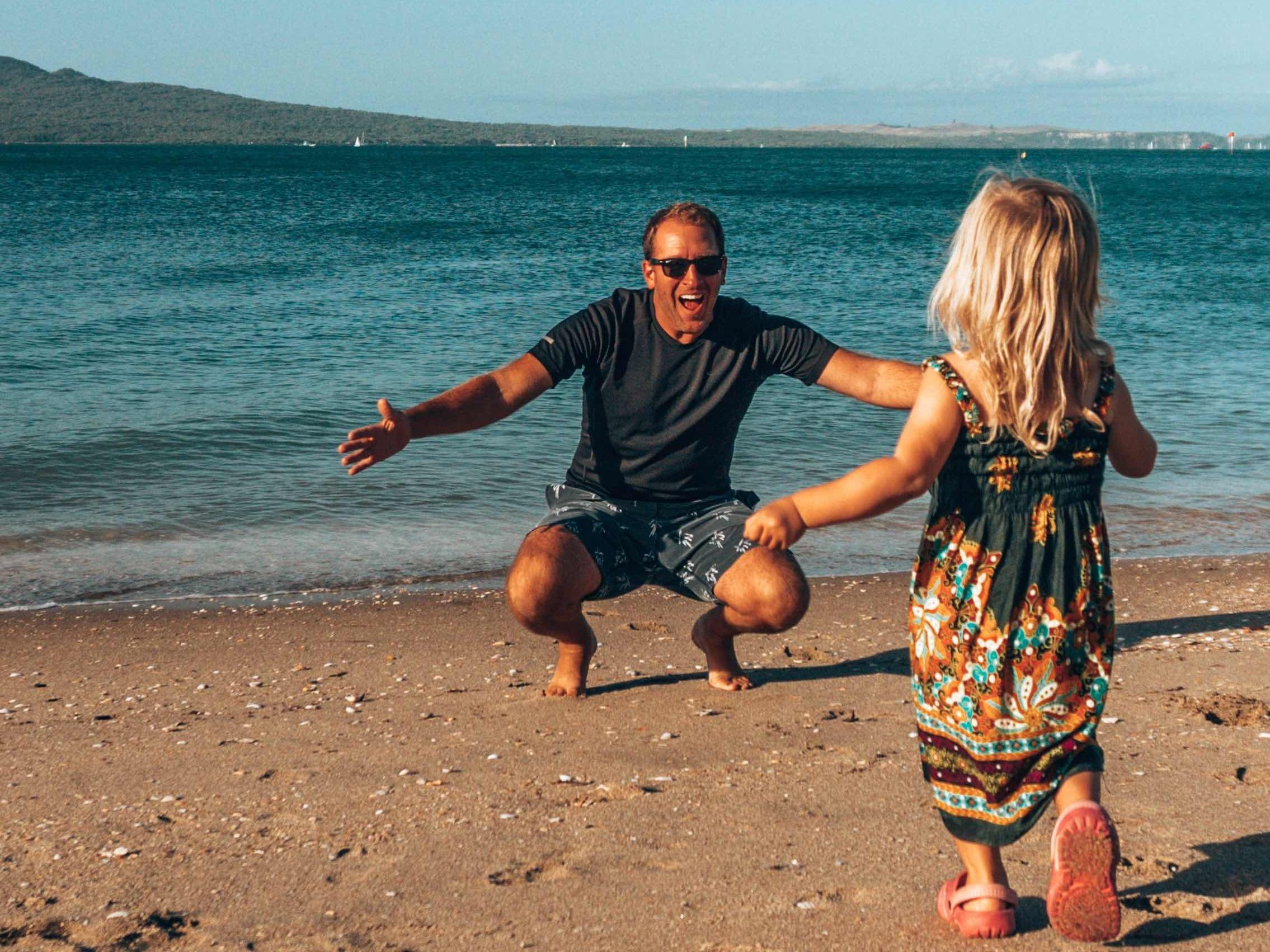 Beach_dad_daughter_girl_sunset_hugs.jpg