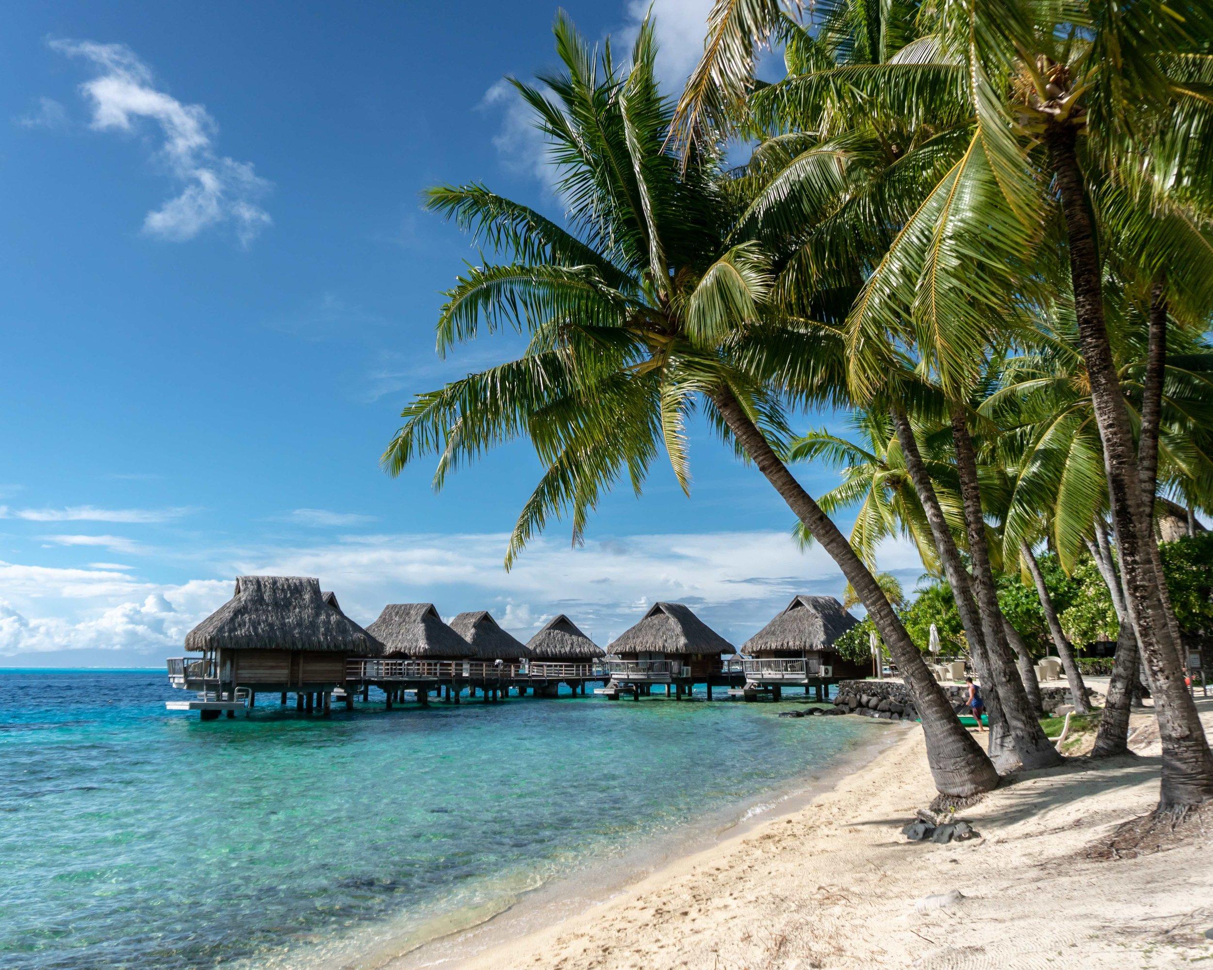 tropical_paradise_beach_island_bora bora_bungalow_south pacific_2.jpg