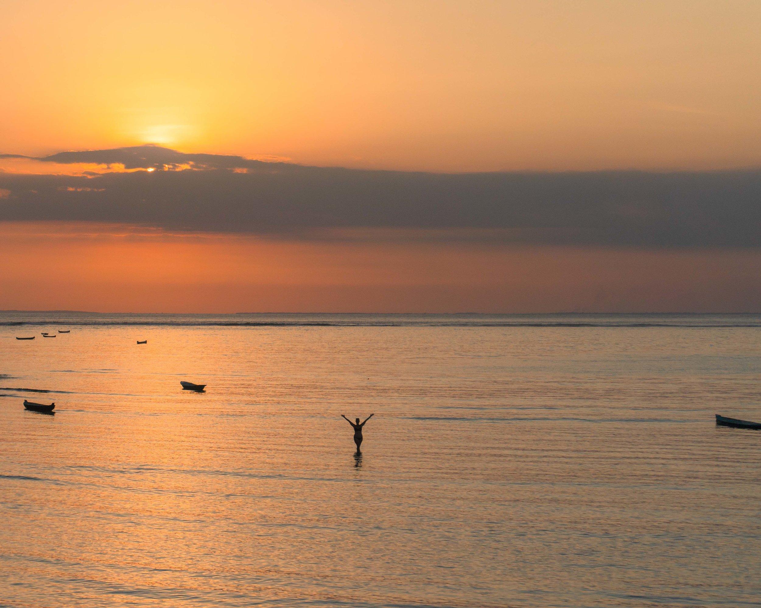 tropical_paradise_beach_island_bali_indonesia_sunset.jpg