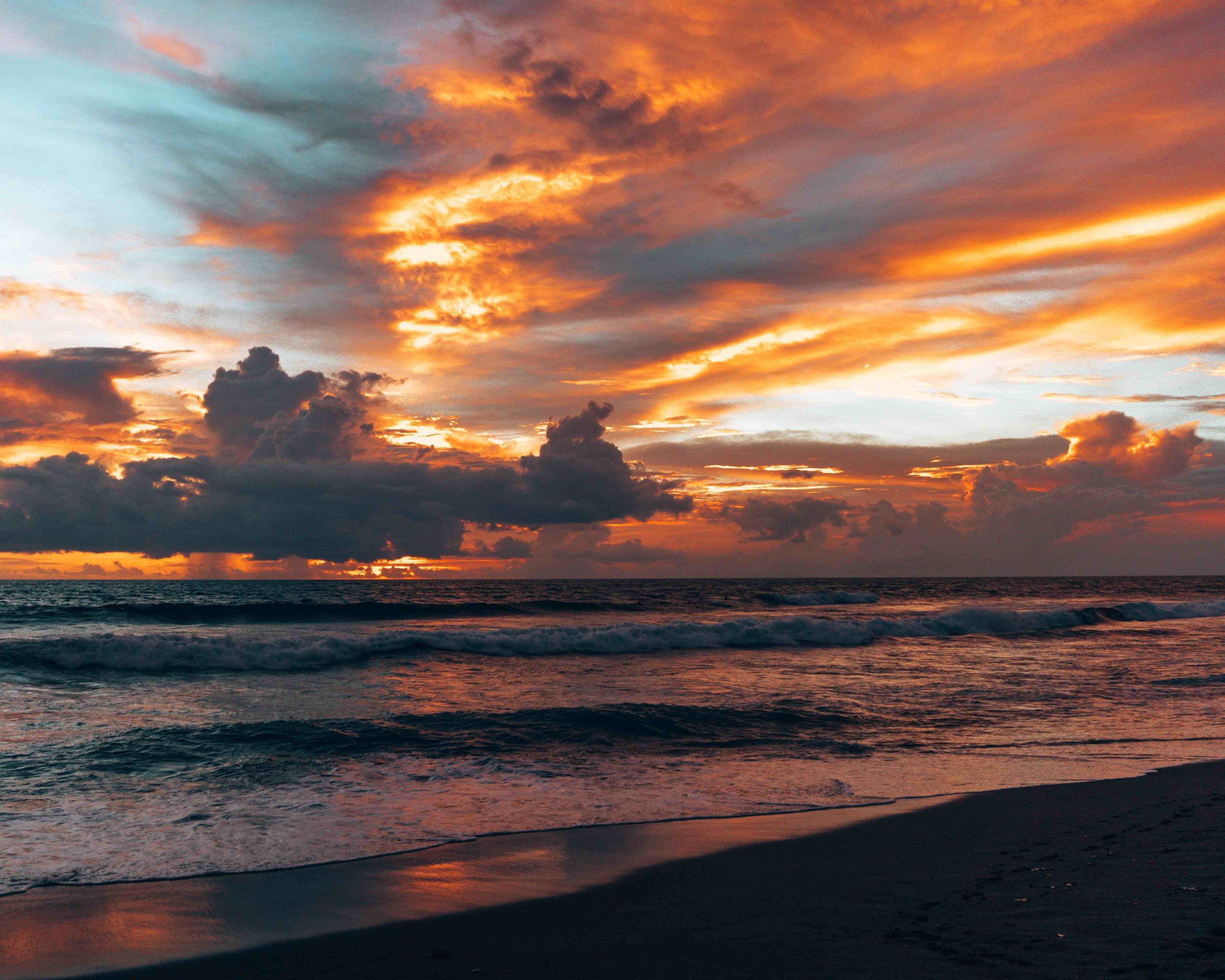 tropical_paradise_beach_island_bali_indonesia_sunset_canggu.jpg